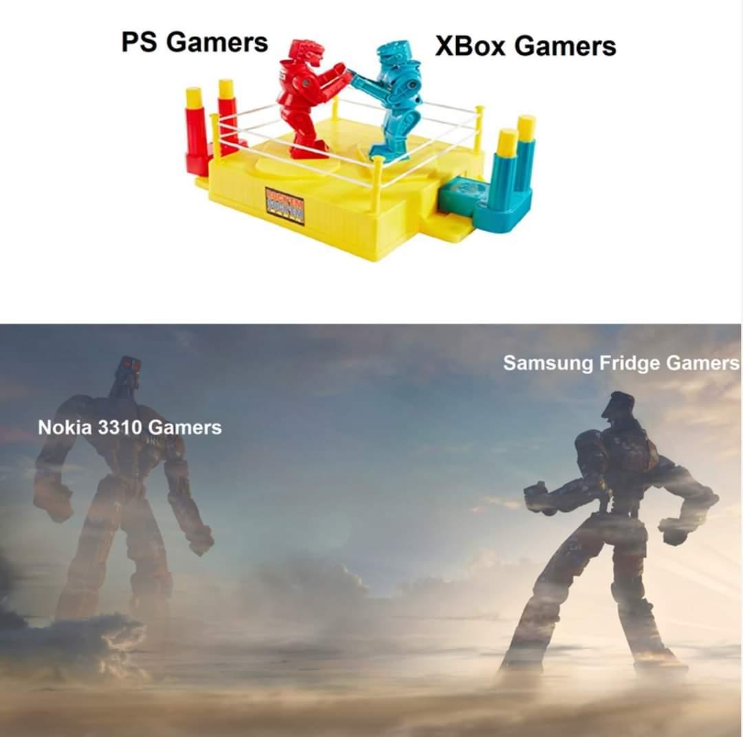 Memes PlayStation gamers versus Xbox gamers