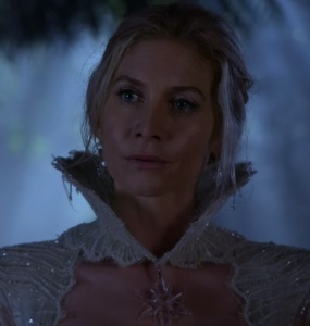 Once Upon a time Ingrid sexy white dress Elizabeth Mitchell