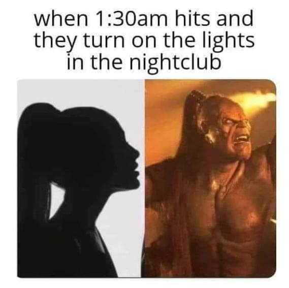 Memes Ariana Grande and the night club
