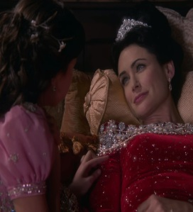 Queen Eva says goodbye to snow white once upon a time Rena Sofer