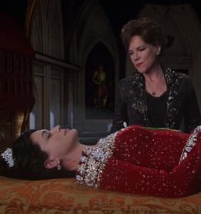 Cora vs Queen Eva once upon a time Rena Sofer