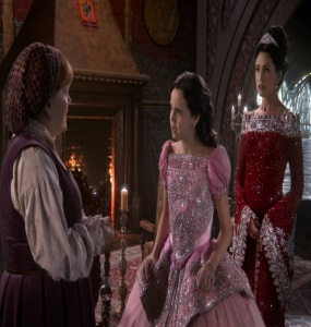 Queen Eva teaching snow white about how to treat people once upon a time Rena Sofer