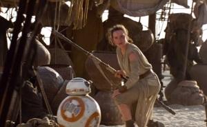 Rey Palpatine meets BB-8 Star Wars The Force Awakens Daisy Ridley