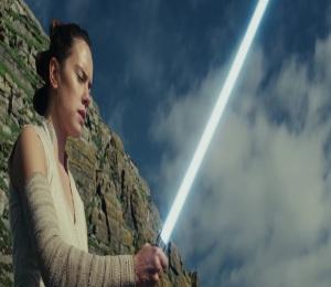 Rey Palpatine learning jedi lessons from Luke Skywalker Star Wars The Last Jedi daisy Ridley