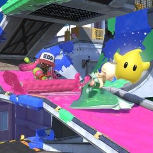 Inkling using paint roller on rosalina and luma Moray Towers stage super Smash Bros ultimate Nintendo Switch splatoon