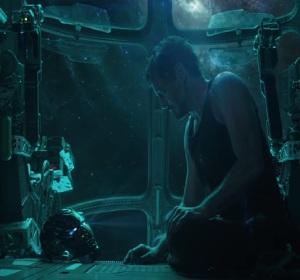 Avengers: Endgame Tony Stark dying in space Robert Downey jr