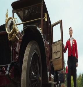 Royal motor car Downton Abbey 2019 Film
