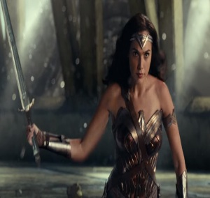 Wonder woman with sword justice League 2017 gal Gadot
