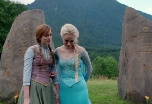 Once upon a time Princess Anna and queen elsa return home
