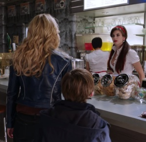 Emma Swan meets Ruby Red Once upon a time ABC