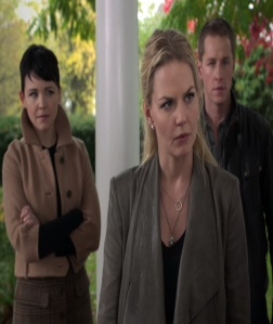 Emma Swan with her parents Prince Charming and Snow White once upon a time Jennifer Morrison