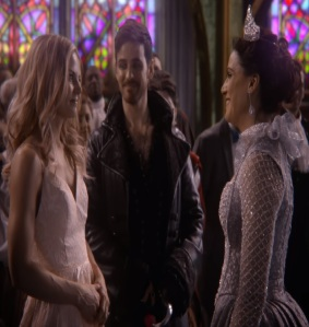 Emma Swan sees Regina become the good Queen once upon a time Jennifer Morrison