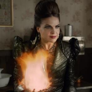 Once upon a time evil Queen Regina vs good Regina