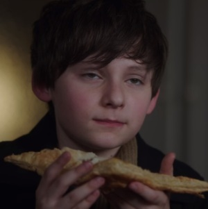 Henry Mills eats apple turnover with sleeping curse once upon a time ABC