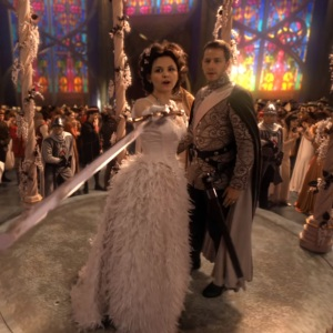 Snow white wedding to prince David once upon a time Gennifer Goodwin