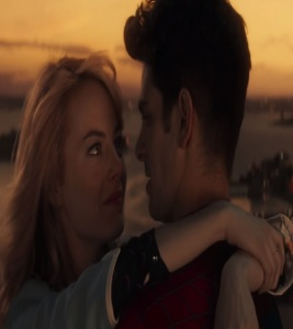 Gwen Stacy kissing Peter Parker  the amazing Spider-Man Emma Stone