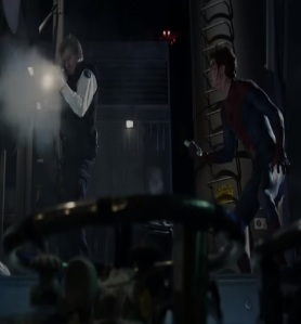 George Stacy uses shotgun on the lizard the amazing Spider-Man movie