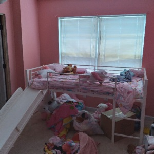 Painting a little girl's room pink