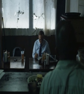 Frank Underwood eating at Freddy Hayes bbq place house of cards Netflix