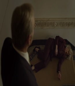 Frank pushes Cathy Durant down the stairs House of Cards Netflix