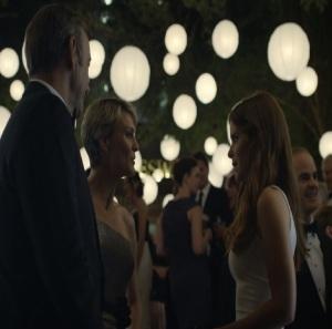 Zoe Barnes white dress house of Cards Netflix Kate Mara