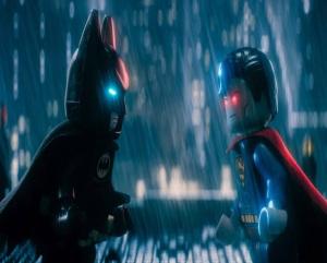 Superman fighting batman The Lego Batman Movie
