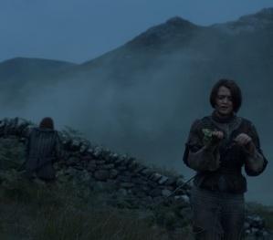 Arya Stark annoying the Hound game of Thrones HBO