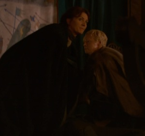 Catelyn Stark and brienne of Tarth game of Thrones HBO
